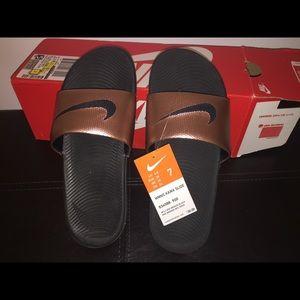 Nike Benassi Slide Sandals Women's size 7. New